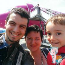 cu wizz spre Haga via Eindhoven