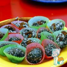 """Atelier de gatit, pentru copii - """"Vitaminele la joaca"""" - bomboane de ciocolata pregatite de copii"""