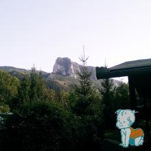 Piatra Secuiului vazuta din Camping Floare de colt