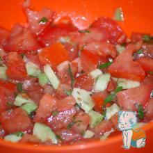 salata de avocado cu rosii